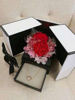 Preserved flower gift set