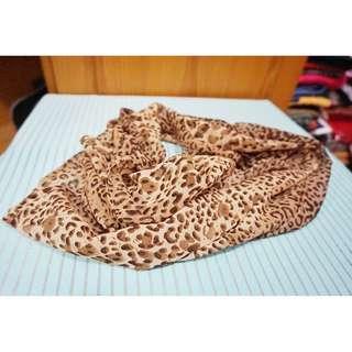 Syal Motif Leopard Scarft