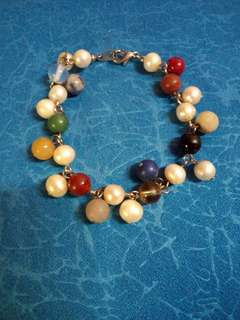 Pearls and beads bracelet