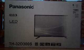 Panasonic LED TV 32 in.