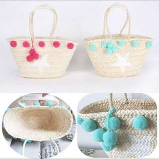 Pom pom ball straw rattan handbag
