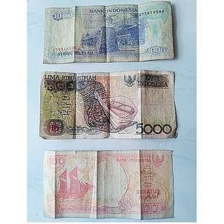 Pecahan uang kuno kertas seribu,lima ribu dan seratus rupiah tahun 1992