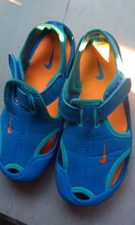 Auth Nike sandals