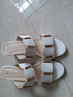 Sandals for Summer wear.size:5. It is almost new