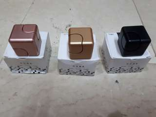 Square spinners sold per piece