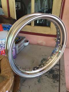 "Brand new Chrome 16"" inch rim"