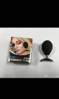 Eyeshadow Crease Stamp