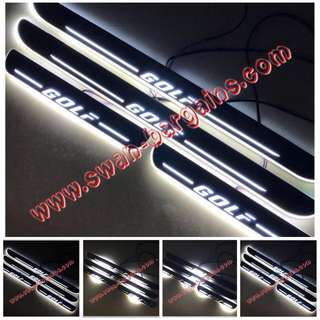 WHITE Volkswagen VW Golf MK5 MK6 MK7 VW GTI Sweeping Glowing Animated Moving Illuminated LED Door Sill Scuff Protector Plates