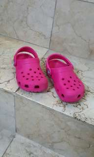 Orig pink crocs for baby girl