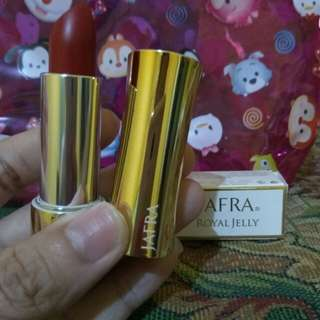 Lipstik Royal jelly luxury  (regal red)