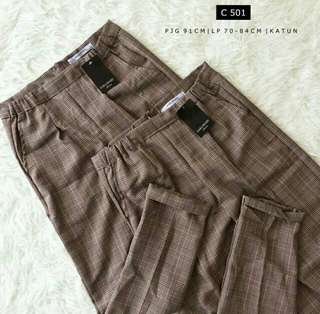 C501 Women Checkered Brown Pants