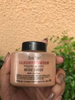 Ben Nye Luxury Powder in Beige Suede