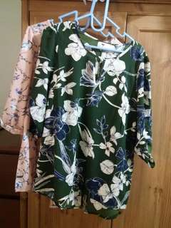 A set of 2~ temt floral blouse size12