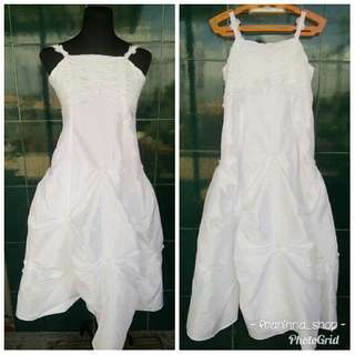 Gown (white gown)