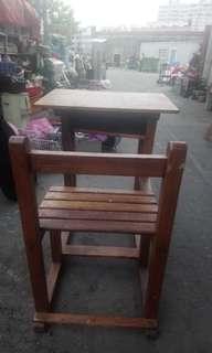 古早國中課桌椅