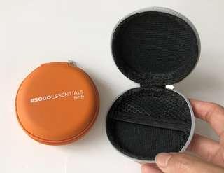 (全新) 硬身 拉鍊 耳筒/電線 收藏盒 Earphone box