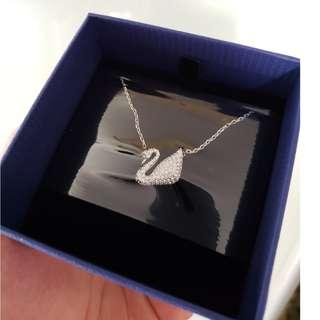 swarovski水晶石鍍白金色天鵝鏈墜項鍊