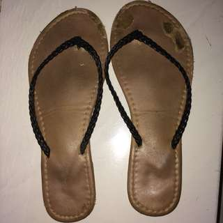 sandal jepit Rubi
