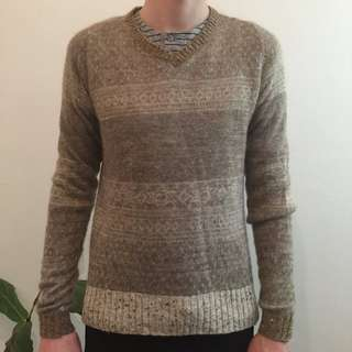 Cosmic Wonder Light Source v neck jumper.