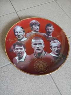 Manchester United 100 Glorious Years by Rob Perry