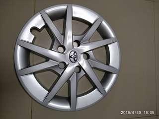 Toyota prius alpha 16inch hub cap