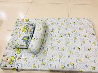 Bumble bee travel mattress