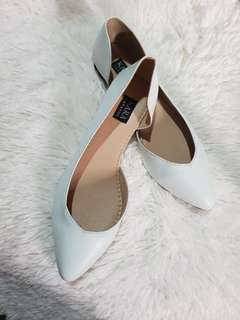 White pointed doll shoes