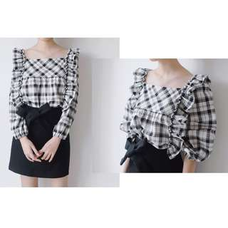 All-in Ruffle Blouse