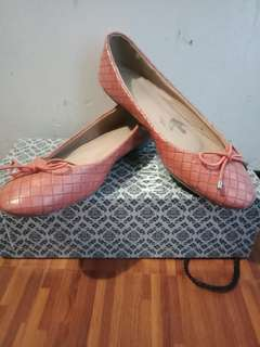 Parisian Shoe with Box