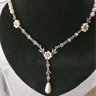 Y-shape necklace pearl drop pearl flowers, round brilliants
