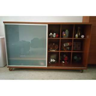 Simple Retro TV/display cabinet (Negotiable for quick sale)