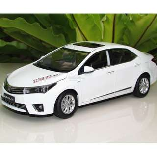 1:18 Toyota Corolla Altis