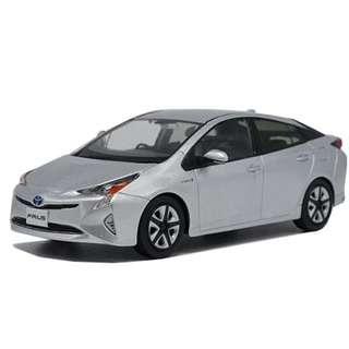 1:18 Toyota Prius (NEW)