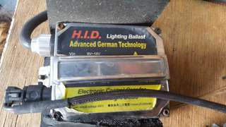 HID lighting ballast with HID bulb