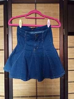 BRAND NEW! Denim skirt