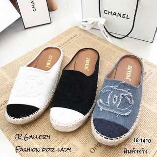 Style Chanel slip on
