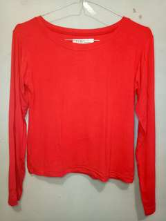 Crop red polos