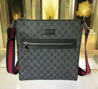 Gucci GG Supreme small messenger bag RRP$1075