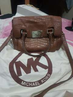 Authentic michael kors (preloved)