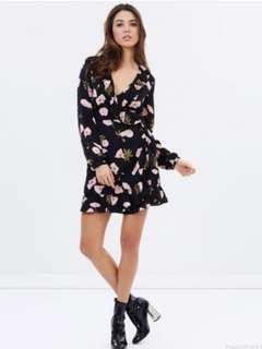 BNWT sz 8 Atmos & Here Betty Wrap Dress