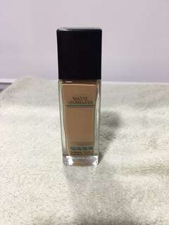 228 Maybelline fit me foundation