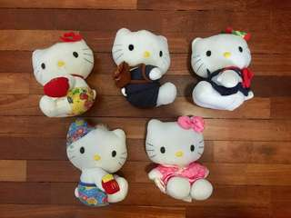 Preloved Hello Kitty Collectibles from McDonalds's. Selling in a bundle. 5 for RM20. Some minor stains (watercolor paint). #Bajet20 #20under
