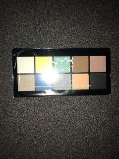 Brand new NYX avant pop eyeshadow palette