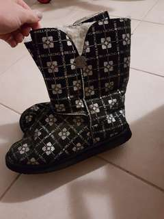 Ladies ugg boots size 8