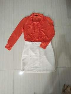 Atasan Orange dan Rok Putih