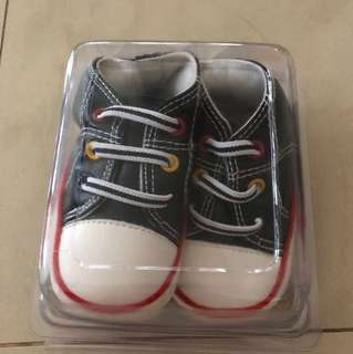 *Price reduced* Baby shoes good for 6-12m