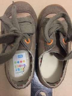 Boy's shoes