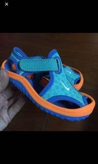 🚚 近新Nike涼鞋12公分