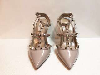 Authentic Valentino rock stud heels patent leather