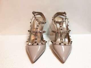 Authentic Valentino rock stud heels patent leather